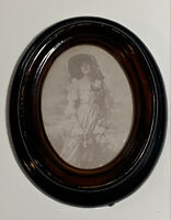 British Registered Small Oval Picture Frame Hong Kong