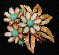 Crown Trifari Poured Glass Daisies Brooch Turquoise Blue White Signed Vintage
