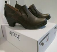 Croft & Barrow Ortholite Ankle shoes bootie Ladies 9.5 brown stretch fit (9-627A
