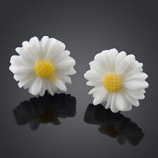 New White Daisy Flower Stud Earrings Cute Ear Women Fashion Studs Vintage Style