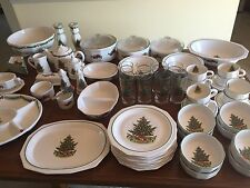 PFALTZGRAFF CHRISTMAS HERITAGE PLACE SETTING FOR 8  +35 PIECE SERVING COLLECTION