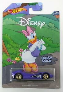 Hot Wheels Mickey Mouse SCOOPA FUEGO DAISY DUCK 6 of 8 Diecast Vehicle Car Toy