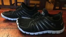 Womens Fila Athletic Lace Up Skeletoes Black/White Running Shoes Size 6