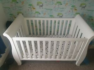 Boori country sleigh cot bed with Dulux mattress