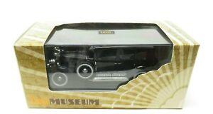ixo Models  DIE-CAST Cadillac 1930 V16 Imperial Sedan (Al Capone) NIB (0199)
