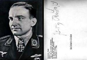 Autogramm Militär   Hans-Ulrich RUDEL   1950er (Portrait SW) Offizier