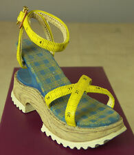 Just The Right Shoe Custom Made 25115 Miniature Collectables