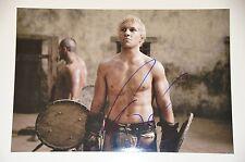 Jai Courtney signed 20x30cm Spartacus Foto , Autogramm / Autograph in Person