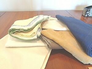 Collection of 33 Casual napkins Poly Blend