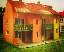 * Ho Scale * Custom Built X 2 Older Terrace House * Inner City Train Layout *