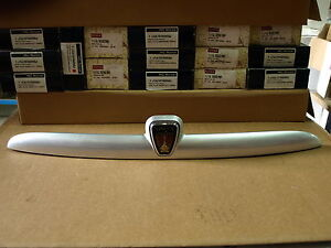 GENUINE MG ROVER 25  TAILGATE HANDLE ASSEMBLY SILVER CXB101630MNH