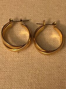 Vintage Beautiful Double Hoop Piered Gold Tone Earrings