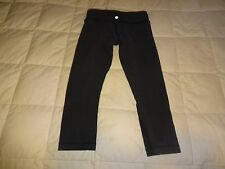 Lululemon Wunder Under Crops, size 4, COTTON, dark gray