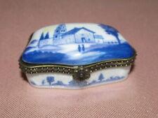 Boite à pilules bijoux en porcelaine à décor de paysage bleu