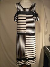 Threadz Ladies Dress in a Navy Blue and White Abstract Print Size M - NWTO