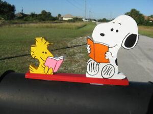 "NEW Snoopy & Woodstock ""Reading Books"" Mailbox Topper Handmade"