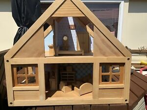 plan toys Childs dolls house