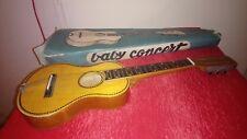 Petite Guitare ou ukulélé ancien baby concert vintage