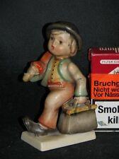 """Goebel Hummel 11/0 """"Wanderbub"""", merry wanderer, Junge mit Schirm, Krone TMK1"""
