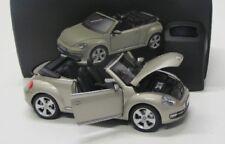 VW Beetle Cabrio ( 2012 ) pearl silber met. / Kyosho 1:18