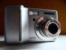Samsung S750 7.2MP Digital Camera - Silver