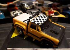 TCR Pick up jaune et noir (voiture bouchon) chassis mk1 révisé