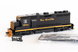 HO KATO D&RGW EMD GP35 Phase Ib #3044 Rio Grande Diesel Locomotive 37-04A