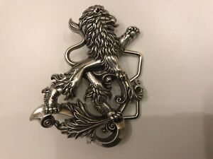 Beautiful sculpted  Baroque Heraldic Lion belt buckle in silver plaiting.