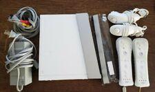 Nintendo Wii Video Game Console Bundle RVL001 2 Controllers & 2 Numchucks