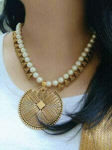 Handmade Craft Queens Pearl Green Mystery Necklace Lovely Charm Lady Best Sell
