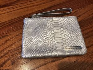 Rodan & Fields Cosmetic Make-up Bag Silver Textured Faux Snake Skin Wristlet New