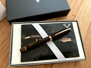 VISCONTI MEDICI ROSE SOVRANO OVERSIZE FOUNTAIN PEN .