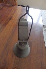 ancienne vintage grosse cloche d'école interna d'entré de cour maison bourgeoise
