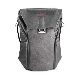 EX-DISPLAY Peak Design Everyday Backpack 30L Charcoal. Premium Camera Rucksack
