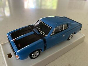 Trax. 1/43 Scale.  TR11E.  1971 Valiant VH Charger. Pacific Blue.