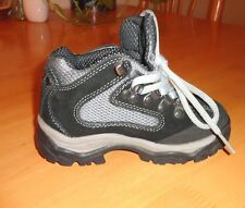KID'S BOY'S 'MOUNTAIN GEAR' SNEAKERS, PRFCT COND, PRACTICALLY NEW, SIZE US 8 1/2