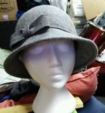 Womens Trixie pure wool cloche hat in grey with side bow detail