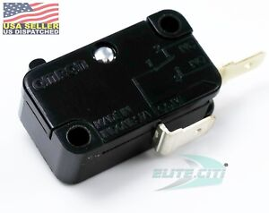 Omron Basic / Snap Action Switches Pin Plunger 15A , 250 VAC ,125 VDC 200 gf