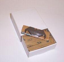 100 x HOOKED HEAVY DUTY STANLEY blades in paper tucks