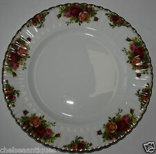 AUTH. 1962 Royal Albert Old Country Roses DINNER PLATE D26.5cm White Floral Gilt