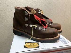 NEW Vintage 70's Leather Mountaineer Heavy Duty Hiking Boots Sz 9 Vibram NWT