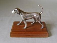 More details for vintage  silver plated figure of a dog, a beagle, on a hardwood base