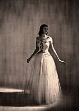 1945 AD  BERGDORF GOODMAN  FONSSAGRIVES WHITE TULLE SILVER EMBROIDERY TAFFETA