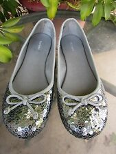 8 Old Navy Silver Sequin Women's Ballet Flat Shoes Gray Cute Sparkly
