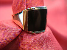 AUTHENTIC KABANA 14K SOLID GOLD RING WITH INLAID ONYX - SIZE 10 - NICE!