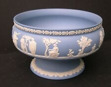 BEAUTIFUL WEDGWOOD CREAM ON LAVENDER BLUE JASPERWARE FOOTED BOWL