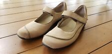 Munro American Women's Tan Suede Mary Janes Shoes Size 9M