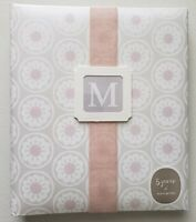 《NEW》Hallmark Soft and Sophisticated Baby Five Year Memory Book with 72 Pages
