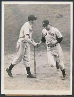 1941 JOE DIMAGGIO Vintage Baseball Photo During Epic 56 Game Streak Season!