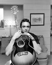 Johnny Cash Américain Singer Country Pop 11X14 Photo Poster Guitare Man en Noir